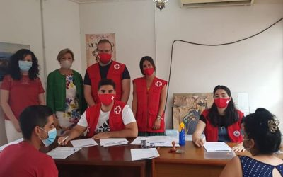 Montoro acoge el reparto de tarjetas monedero realizado por Cruz Roja en la Comarca del Alto Guadalquivir